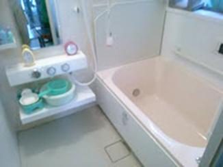 バスルームリフォーム 体を痛めた旦那様も入りやすいお風呂