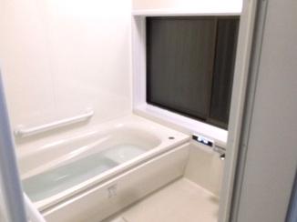 バスルームリフォーム 段差を解消し新築のような綺麗で使いやすい水廻りに