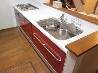 キッチンリフォーム 炊飯器や大量の調理道具も全てきれいに収納するキッチン