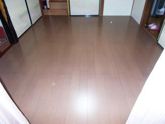 内装リフォーム お値打ちかつ品質もよいフローリングの床