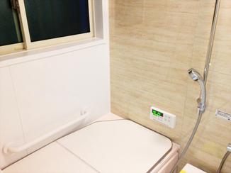 バスルームリフォーム 高断熱浴槽で家族みんなが快適に使えるバスルーム