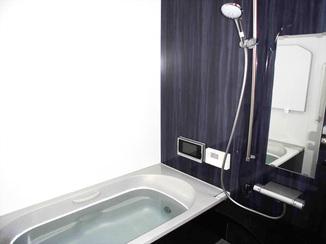 バスルームリフォーム 冬が楽しみ!断熱材を入れて寒さをシャットダウンしたバスルーム