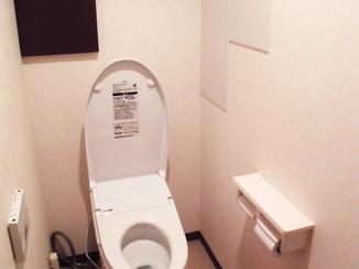 トイレリフォーム エコカラットで空気さわやか、快適空間になったトイレ