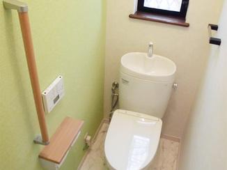トイレリフォーム アクセント貼りでオシャレな空間に。水や汚れにも強いトイレ
