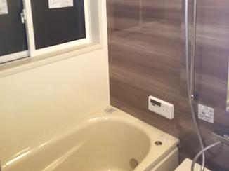 バスルームリフォーム 親御さんが安心して入れる快適な浴室空間