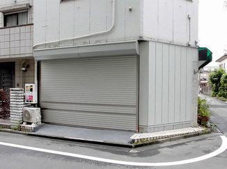 エクステリアリフォーム 車が出し入れしやすい、間口の大きな車庫