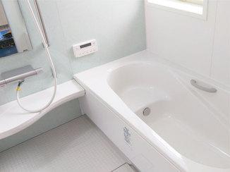バスルームリフォーム タイルの浴室から、お手入れしやすく快適な最新ユニットバスへ