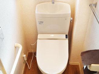 トイレリフォーム リモコンを独立させお手入れしやすくなった節水トイレ