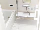 バスルームリフォーム排水管を整備し、便利で使いやすくなった浴室・洗面所