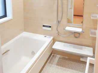 バスルームリフォーム 調光できるダウンライトで演出する温かなバスルーム