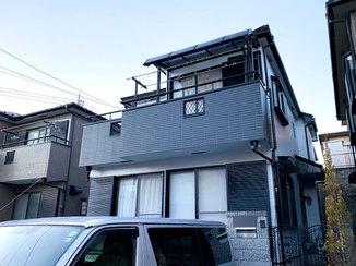 外壁・屋根リフォーム 黒いアクセントがカッコいい外壁と、メンテナンスフリーの屋根
