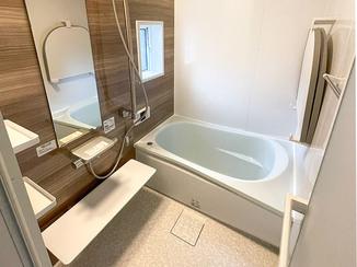 洗面リフォーム 掃除がしやすく断熱性の高いユニットバス