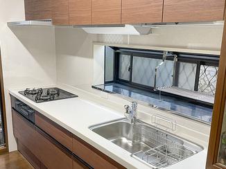 キッチンリフォーム 吊戸棚下にこだわった、使い勝手を重視したキッチン